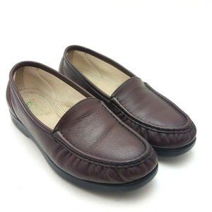 SAS Womens Classic Slip On Loafers 8 WW Burgundy